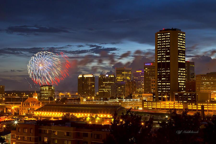 fireworks-in-richmond-va-2013-cliff-middlebrook